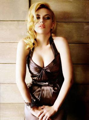Scarlett Johansson posando para la revista IN New York (Enero 2010)