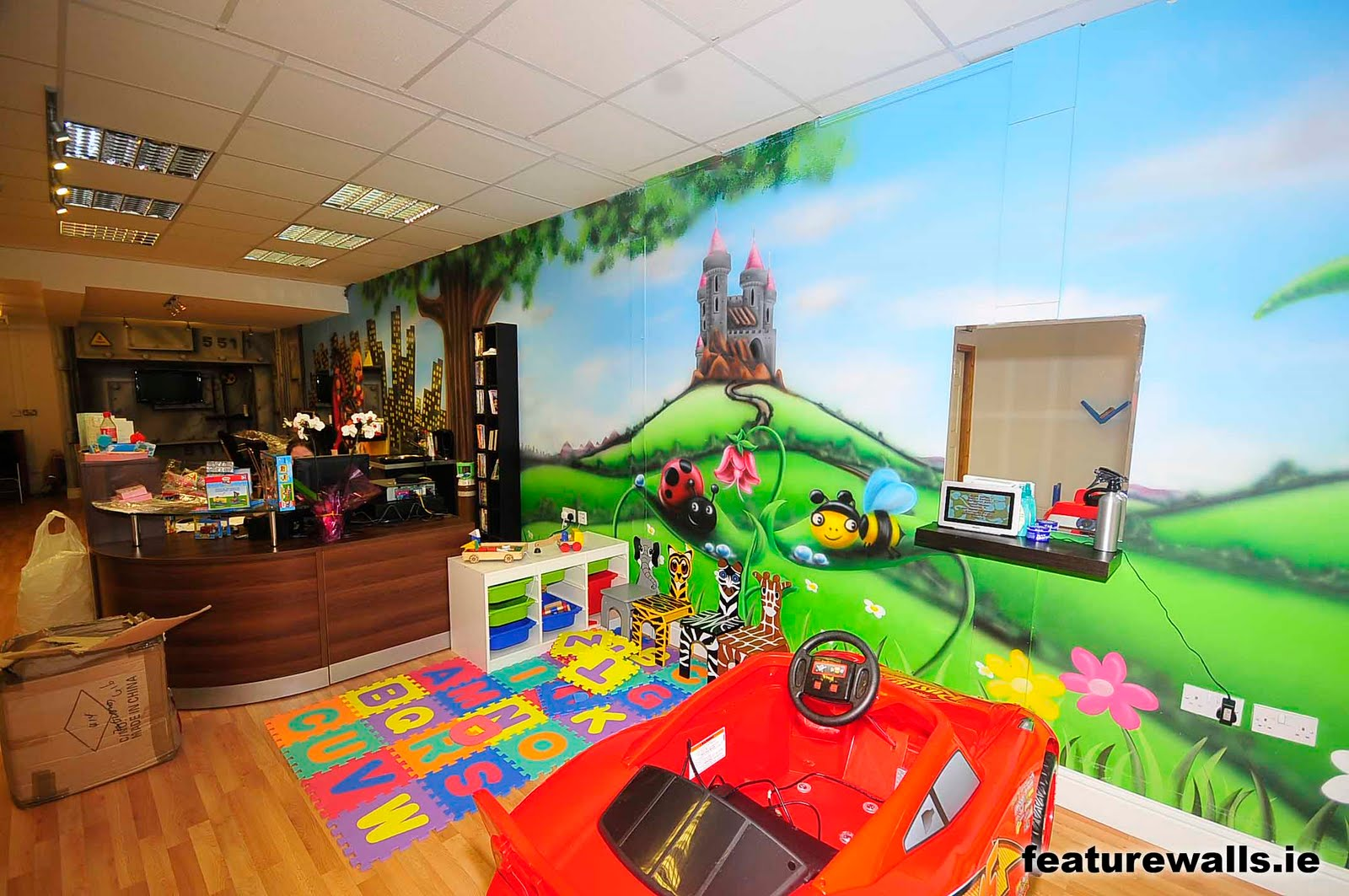 Mural painting professionals new kids for Childrens mural wallpaper