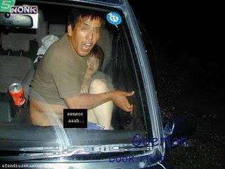 adegan mesum di dalam mobil seorang gadis diperkosa di dalam mobil