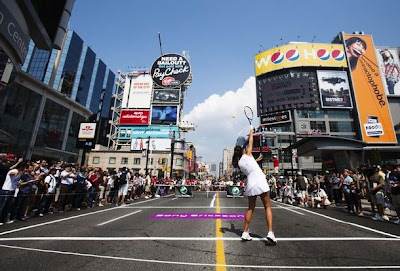 Ivanovic and Wozniacki stop traffic in Toronto