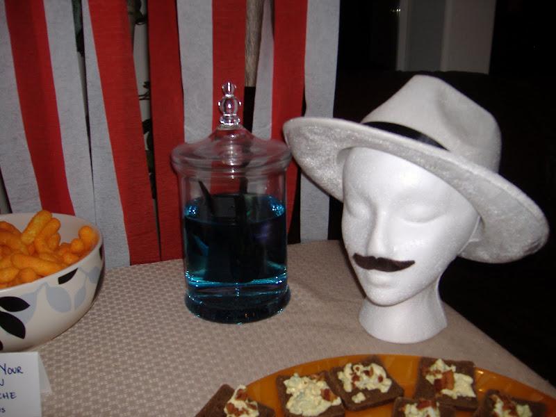 Stache Bash mannequin head
