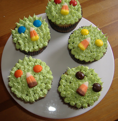 Monster Mash Bash piped cupcakes