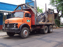 Mercedes 1318-Con grua Forestal