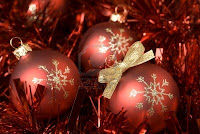 red christmas ornament balls wallpaper