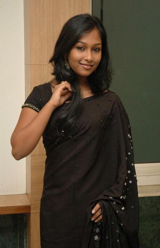 Funtrublog Chennai Girl Swathi New Cute Photos
