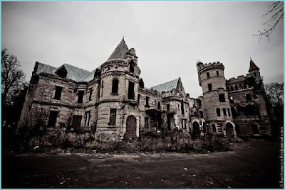 Abandoned French Style Castle in Ryazan,  Russia Seen On www.coolpicturegallery.us