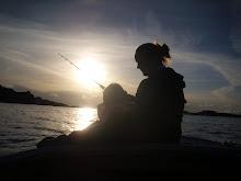 Fiske i solnedgang