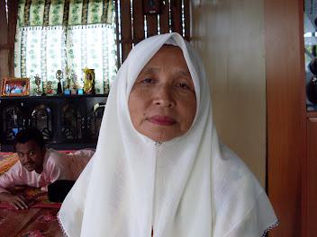Gambar Ibu kami. CT Fatimah Rakidin