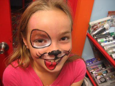 Face Painting Pig http://agsolution.com/28/pig-face-painting