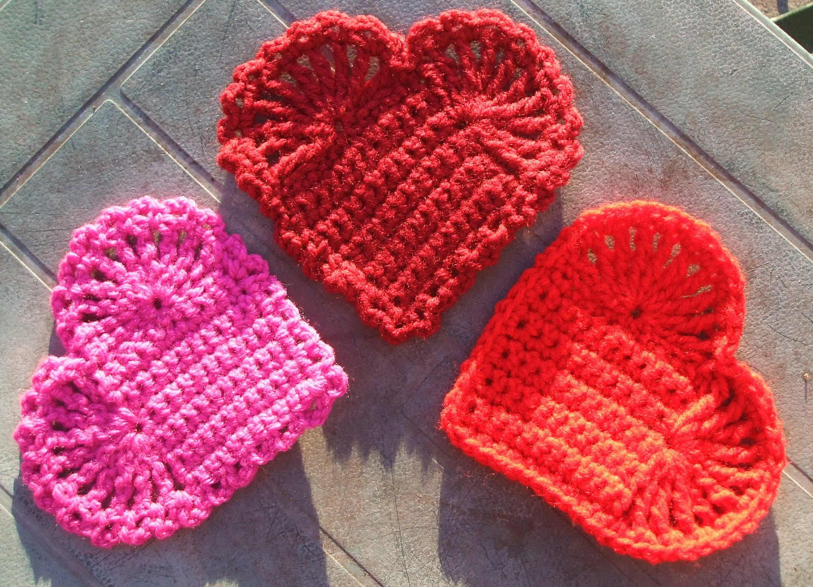 Crocheting Or Knitting : Art of Crochet by Teresa - Little Crocheted Hearts