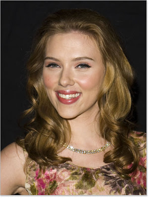 scarlett johansson hairstyle. SCARLETT JOHANSSON YOUNGER: A lighter shade of brown is less austere and