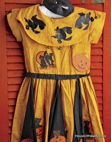 Vintage Trick-Or-Treat costumes