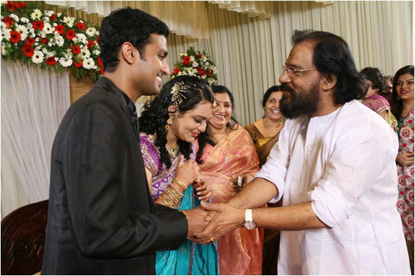 Wedding Reception Stills of Singer Jyothsna  Playback SInger Jyothsna Wedding Reception Photos wallpapers