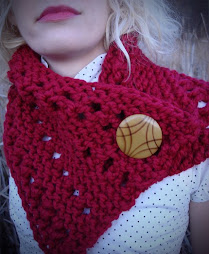 love this cowl, LOVE this button!