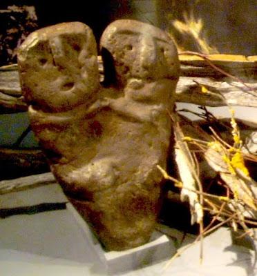 Bicephalic Mapuche statue
