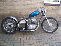 Honda CB360 Kickflip
