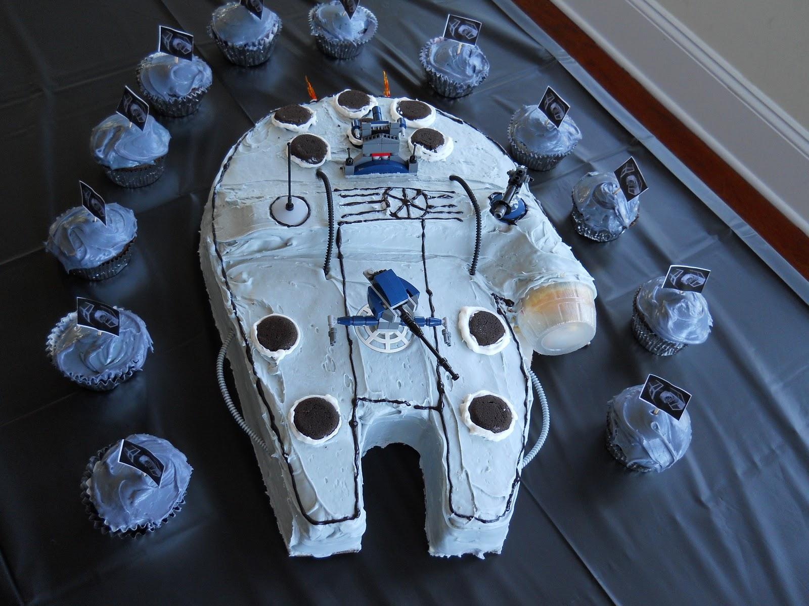 Millenium Falcon Cake Topper