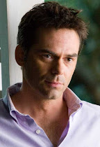 Charlie Swan (Billy Burke)