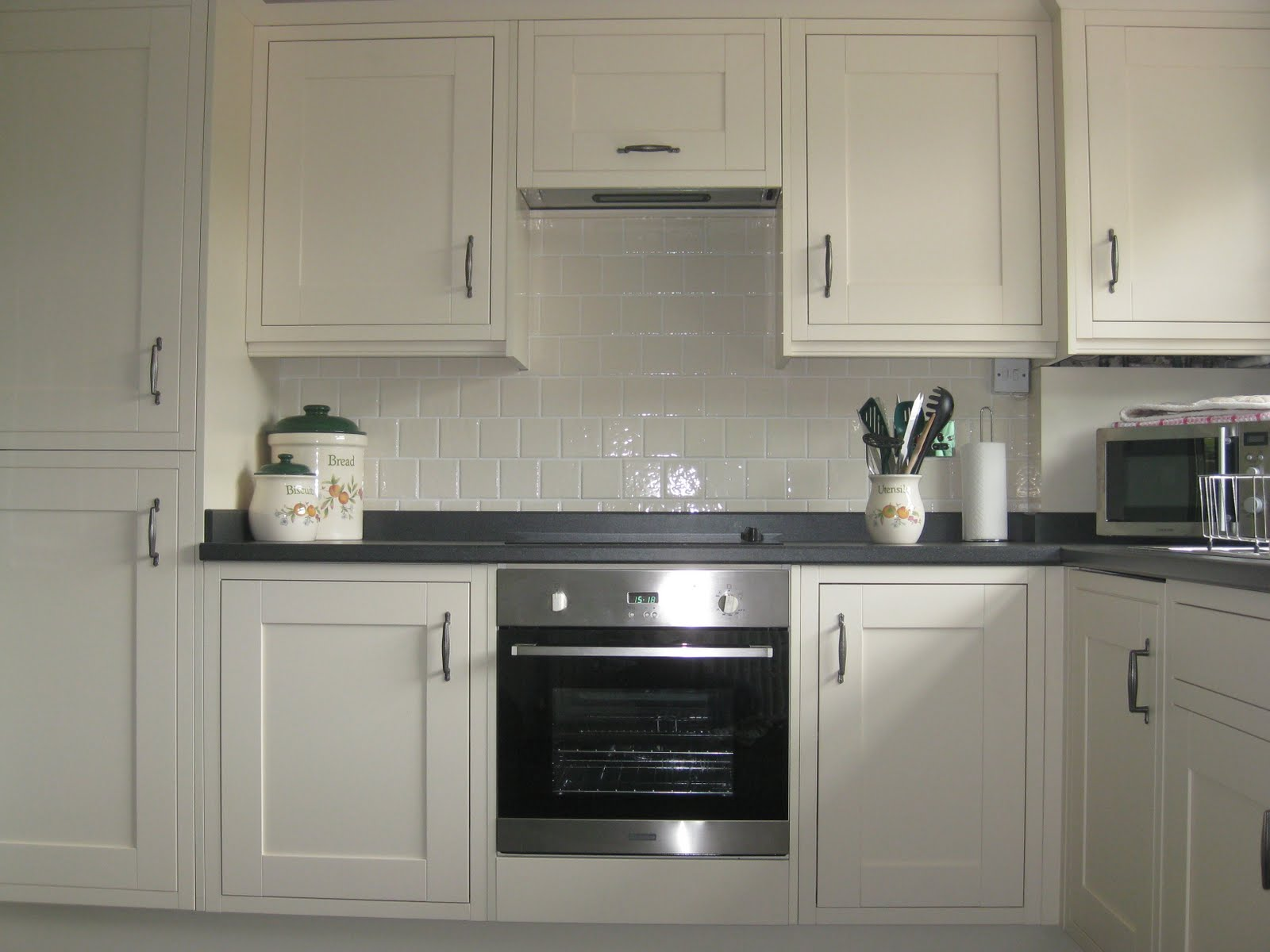 Fitted kitchen ian robert clark joinery services for Pictures of fitted kitchens