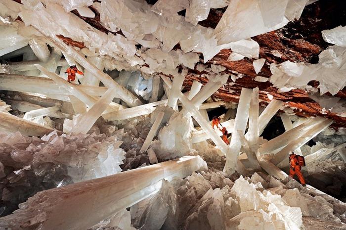gambar Keajaiban Dunia Giant Crystal Cave