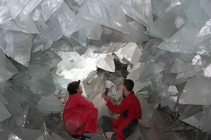 gambar 4 Keajaiban Dunia Giant Crystal Cave