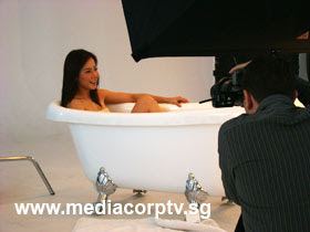 sexy fiona xie bathing - 05