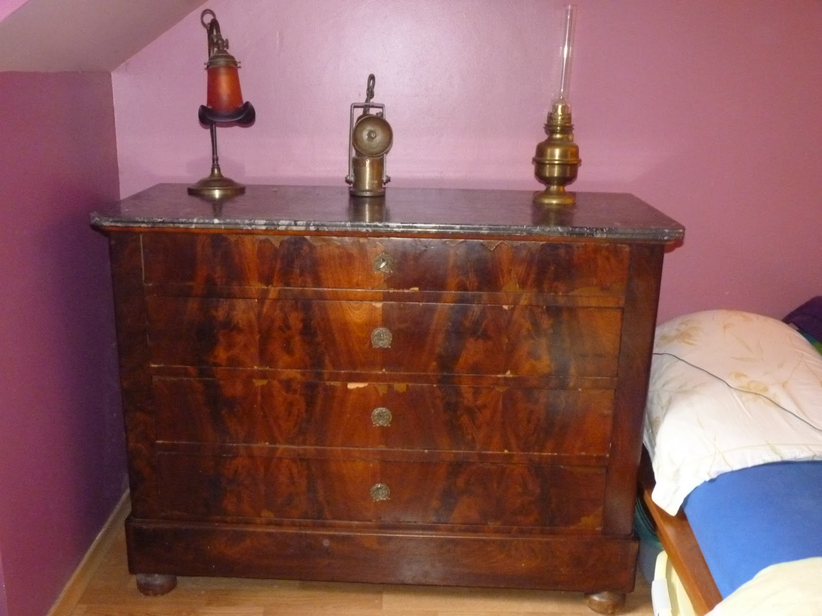 le vide grenier vendre commode ancienne xix. Black Bedroom Furniture Sets. Home Design Ideas