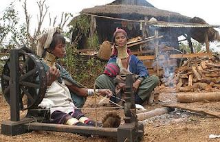Wanita-wanita Berleher Panjang Dari Thailand [ www.BlogApaAja.com ]