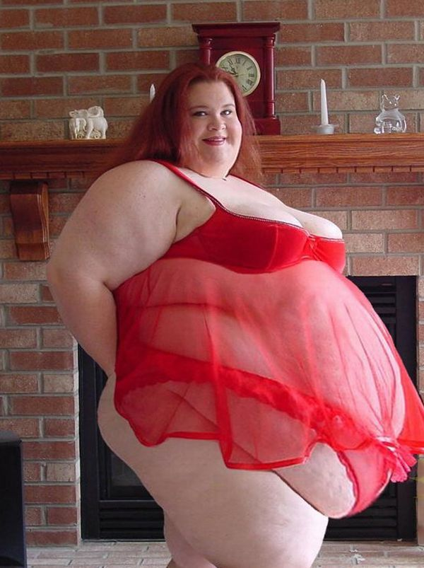 No Nude But Cute: She wants to become the fattest woman on earth No