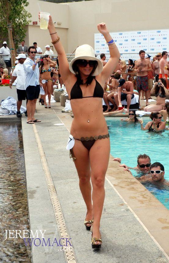 http://4.bp.blogspot.com/_a2Ac_i7cQNk/S_Y9RJybN5I/AAAAAAAAbKo/jN7HmUVDF2Y/s1600/bikini_14.jpg