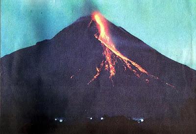 foto gunung merapi, letusan gunung merapi