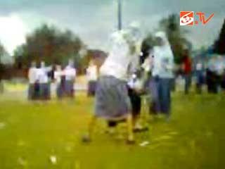Video Kekerasan Siswi SMA Sampang