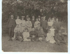 Nels Henriksen Kragh, Jensine C. Jensen, Nicoline Carstensen m.fl. Foto taget i perioden 1903-14.