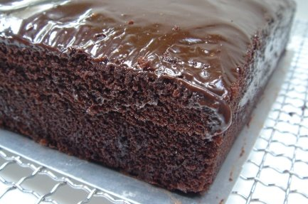 This cake is based on the american chocolate cake made popular in the