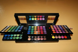 180 Eyeshadow Palette Manly http://akustiekamakeover.blogspot.com/2009/12/180-eyeshadow-palette-by-manly.html