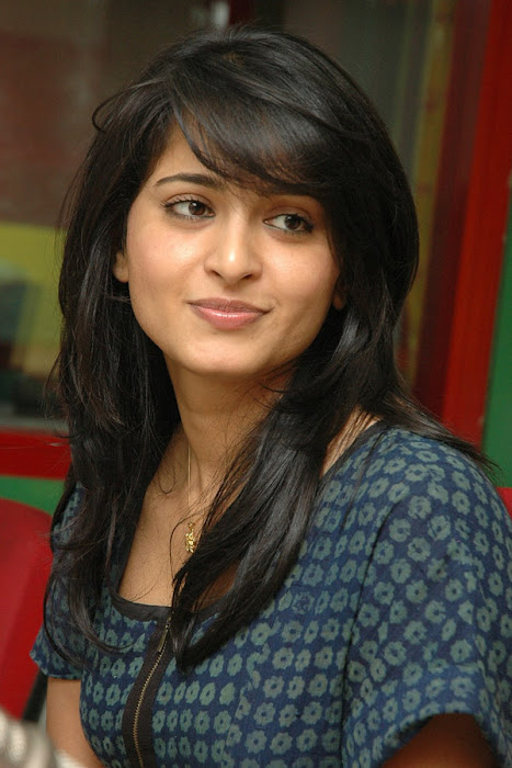 anushka event of kaleja audio at radio mirchi