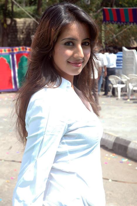 sanjana shoot cute stills