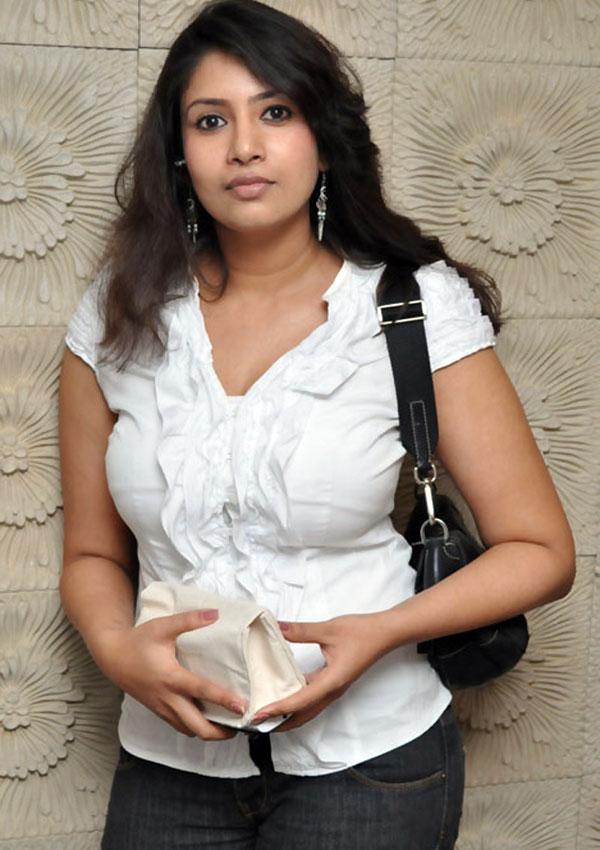 Telugu Cineglamour Sanghavi Latest New Spicy Images