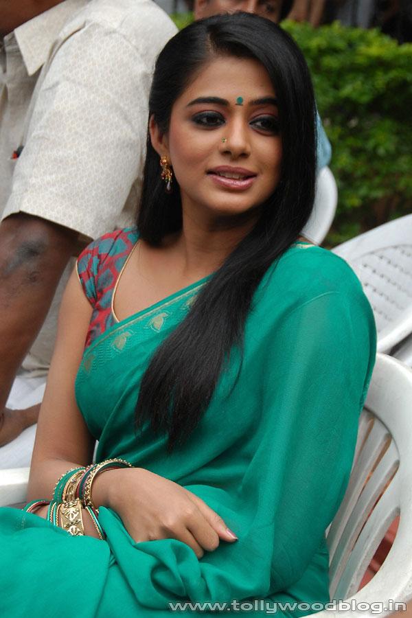 Indian Actress Priyamani Hot