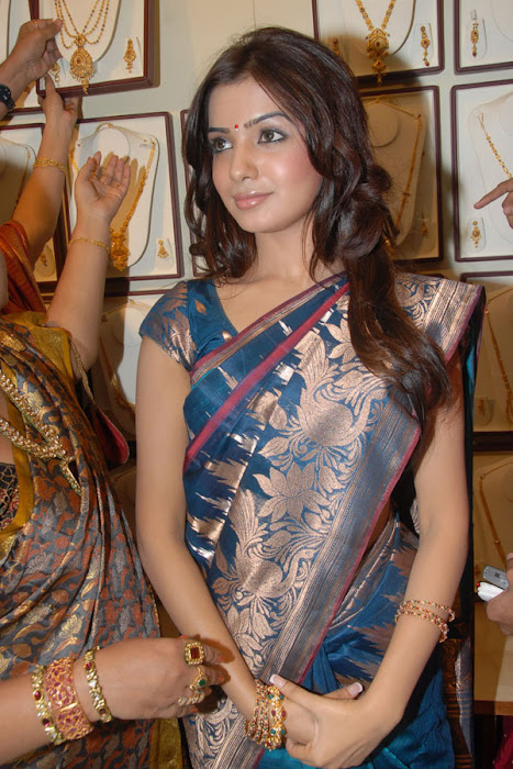 samantha looking in saree unseen pics