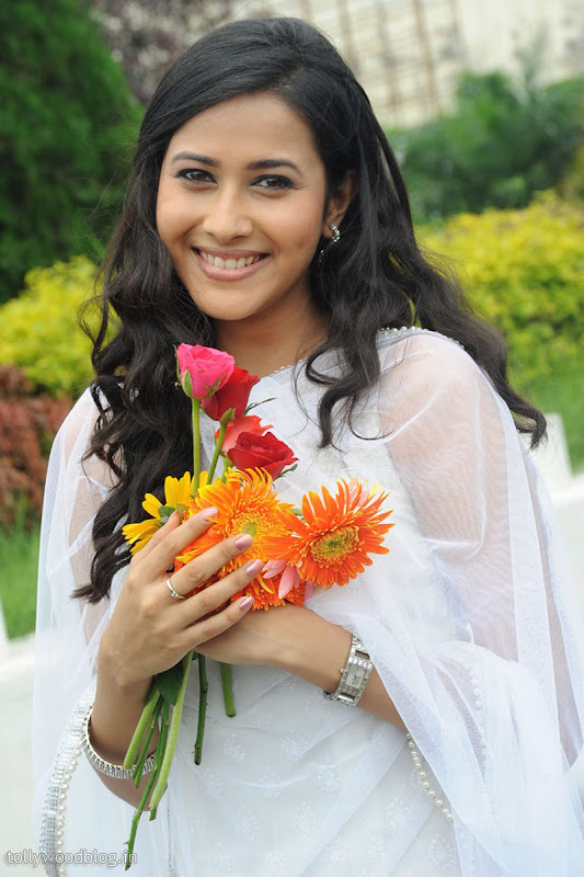 Panchi Bora Cute Looking Pics in White Dress Photoshoot images
