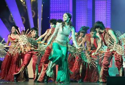 Deepika Padukone at Sahara India Sports Awards
