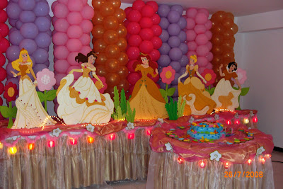 ANY`S Manteleria: DECORACION DE LAS PRINCESAS DORADAS