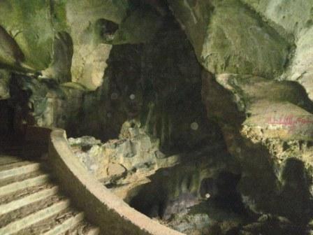 http://4.bp.blogspot.com/_a5KNCKZXnEU/S_quivaFrSI/AAAAAAAAA-w/O5pEPaRQYz0/s1600/D+90+grotte.JPG