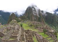 Machu Picchu ruins and Waynapicchu mountain