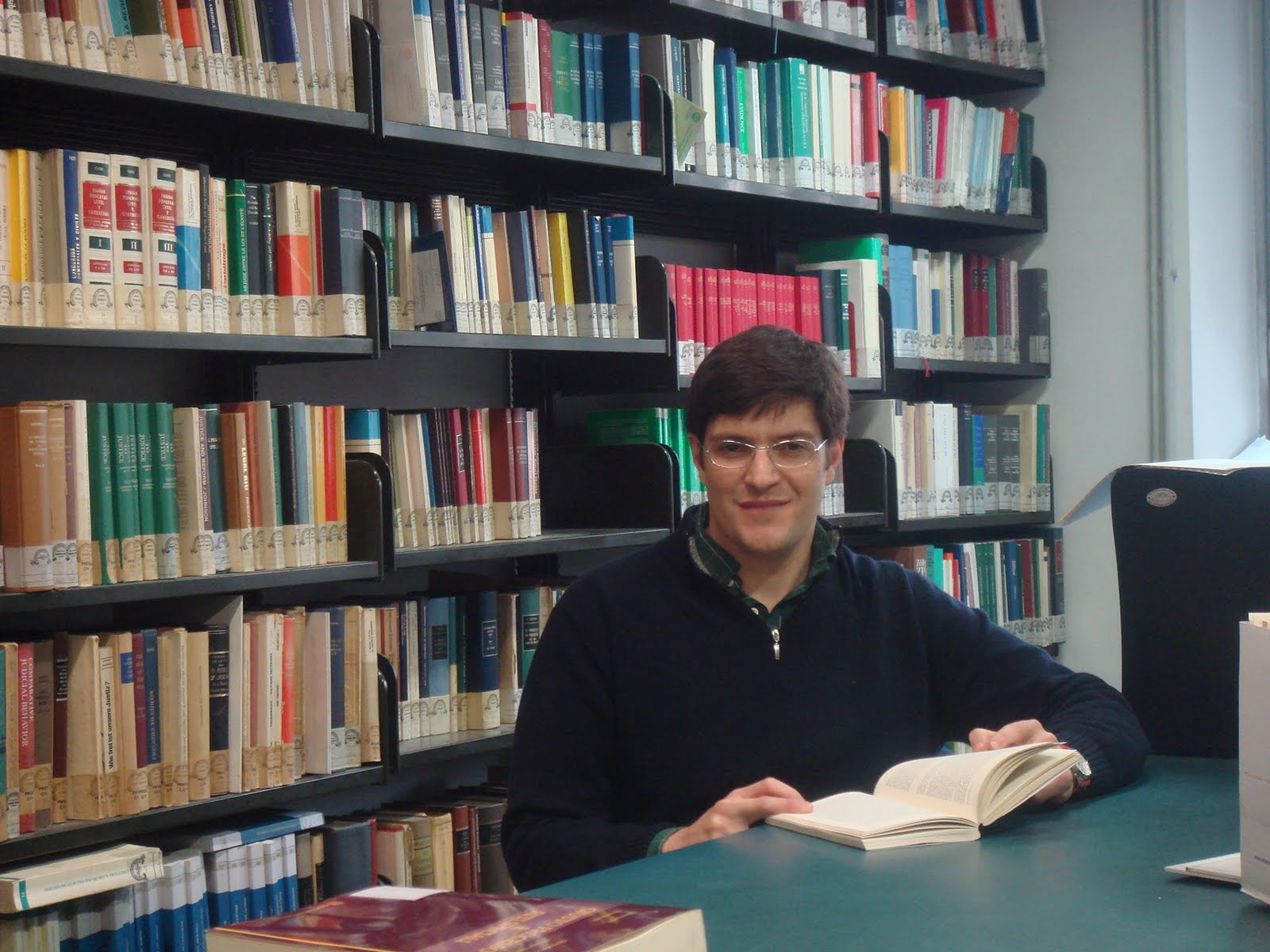 8b6339c7fbd Zaneti realiza seus estudos de pós-doutorado com orientação do prestigiado  processualista Sergio Chiarloni. A tese será desenvolvida no sentido de ...