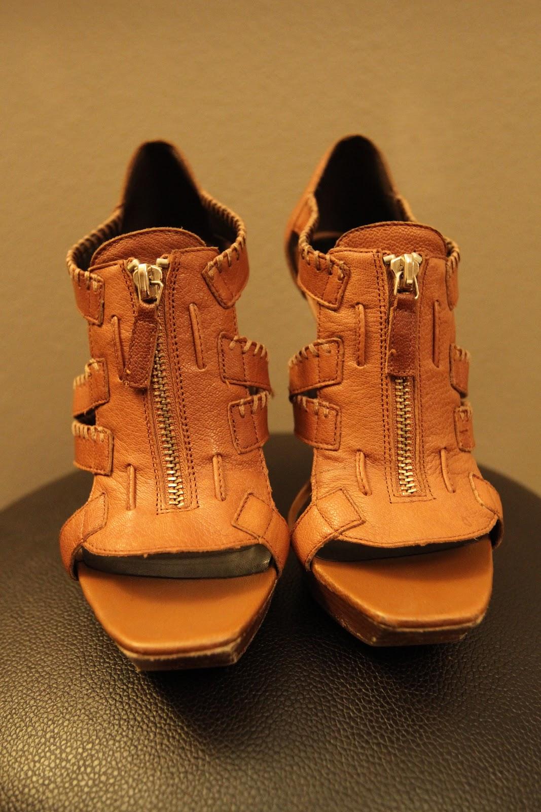 Jessica Simpson T Strap Platform Shoe 6k Pics