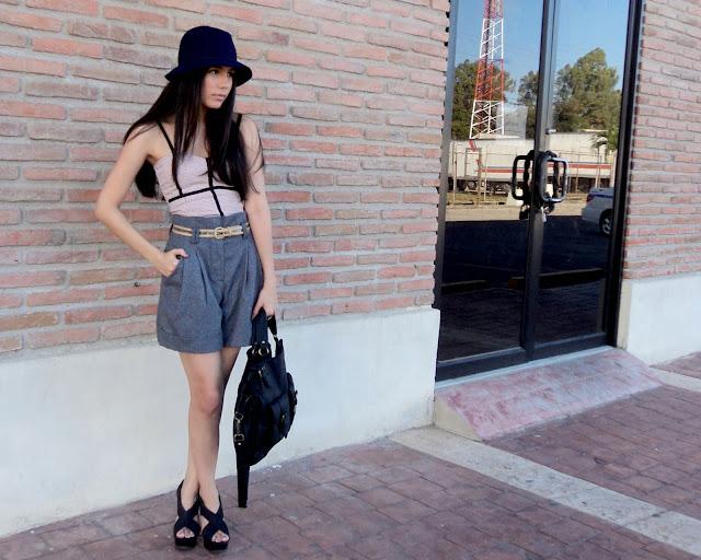 Paperbag shorts, Felt hat, Zara handbag