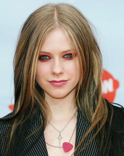 Avril Lavigne Hairstyles 01