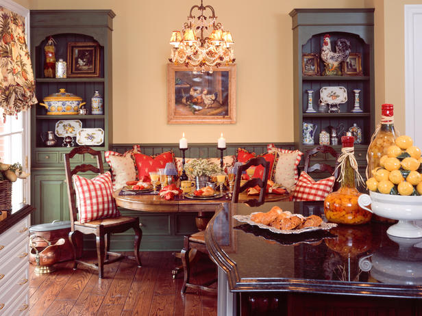 Sweet nothings english country for Country dining room decor